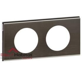 Plaque double entraxe 71mm matière Black Nickel Céliane Legrand 069032