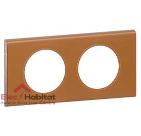 Plaque double Matière cuir caramel entraxe 71mm Legrand 069422