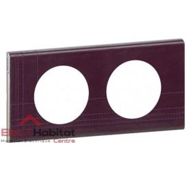Plaque double Matière cuir pourpre couture entraxe 71mm Legrand 069442