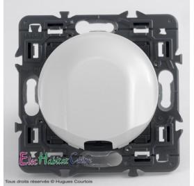 Sortie de câble 16A prééquipée Céliane blanc sans plaque Legrand 67183+68141+80251