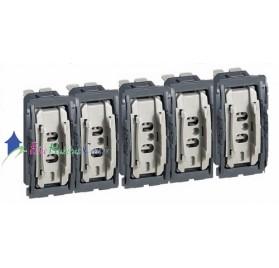 Mécanisme 5 commandes compactes interrupteur/va et vient 10A Céliane Legrand 067001x5