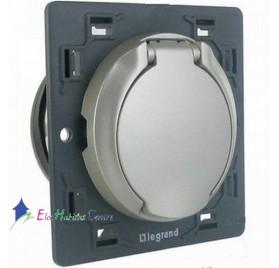 Prise d'aspiration centralisée avec contact Céliane titane Legrand 067433